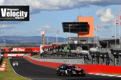 LR Lynton Pole 1 Bathurst 6 Hour