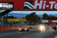 LR Lynton Wins Bathurst 6 Hour 1
