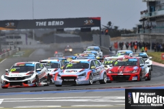 LR-Brown-Leads-Race-1-TCR-TB