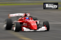 LR-Barrichello-Blur-1-Sandown